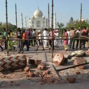 Marble withstands storm at Taj Mahal complex